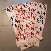 Bulldogos Polár Sál - Deep Red Silhouette Frenchie 150x20 cm