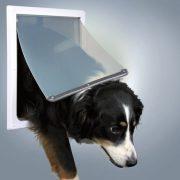 Trixie 2-Way Dog Flap kutyaajtó M–XL 31x38cm - 2 oldalra nyíló 2 funkcióval (mindkét oldalára nyílik, zárt állapot)
